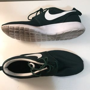 Forest Green Nike Roshe